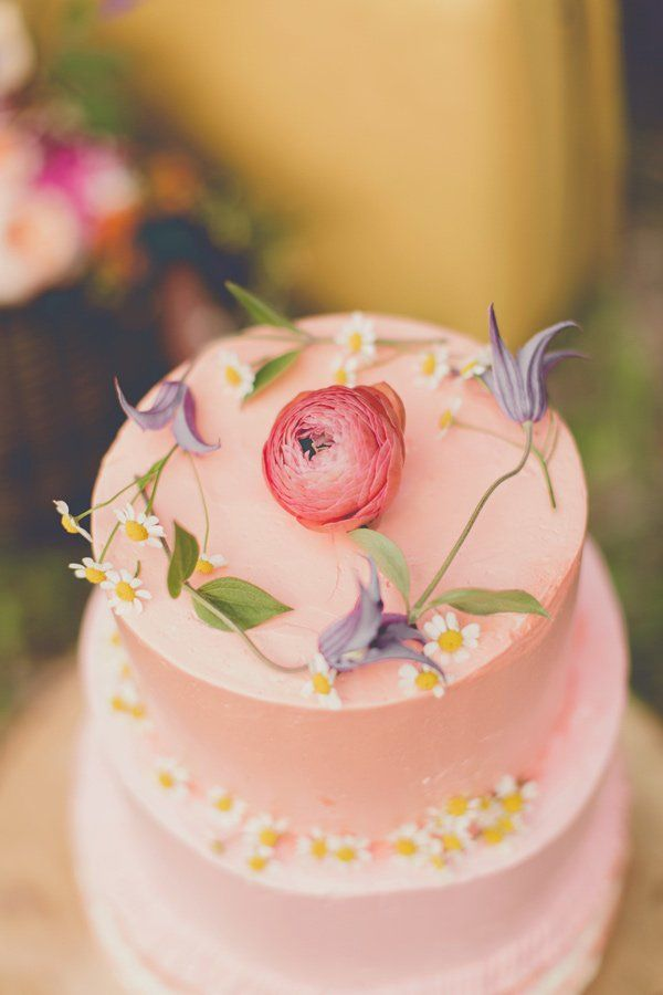 Stunning cake FleaingFrance Brocante Society
