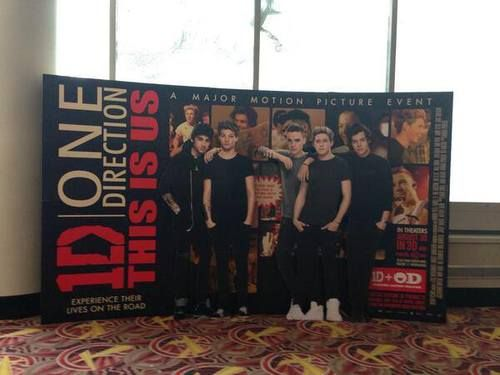 Can my local theater please get this?! I'd totally take a picture with it