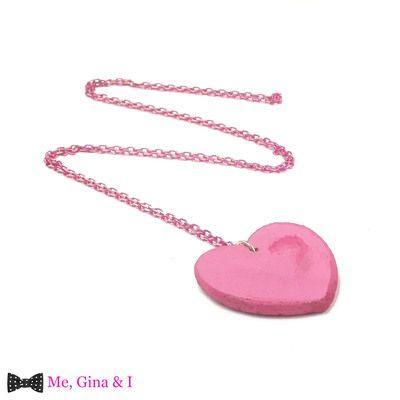 Pink heart long pendant made of cork.