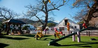 Noordhoek Farm Village, with its free, fun activities, age-specific playgrounds, child-friendly restaurants and shops that hold everything a young'un would desire, is the ideal children's Saturday destination.