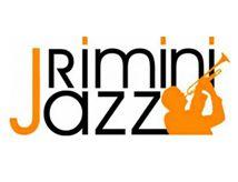 Tra due settimane, esattamente dal 7 al 9 settembre, Rimini tornerà ad ospitare il Rimini Jazz, che da 13 anni conduce sulle spiagge romagnole la musica jazz in tutte le sue forme, dallo swing passando per la fusion, con melodie classiche ma anche brani da sapore più raffinato. Rompendo la formula delle ultime edizioni, che avevano dato un grande spazio ai jazzisti italiani, la manifestazione quest'anno torna a proporre una serie di esibizioni legate a musicisti e formazioni di