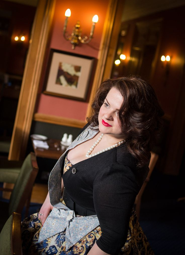 Beautiful Carrie Ann and her hen party photo shoot experience #henparty #vintagehen #1950shen