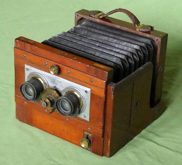 Mackenstein stereo camera