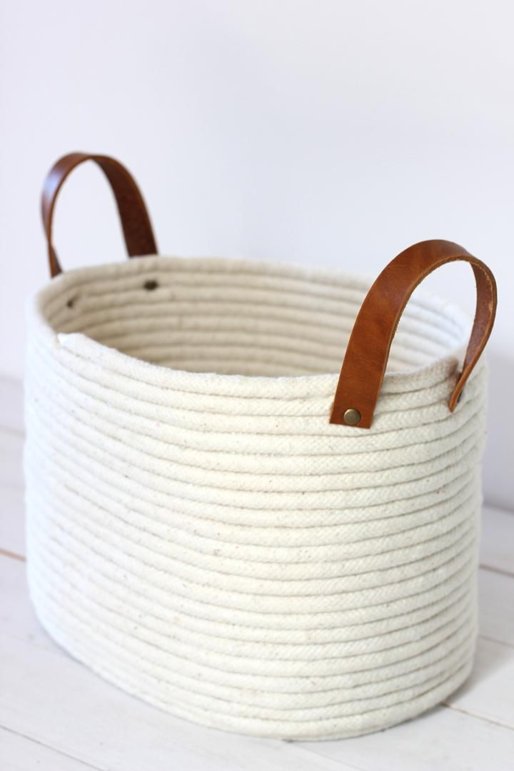 DIY Crafts : DIY No-Sew Rope Coil Basket