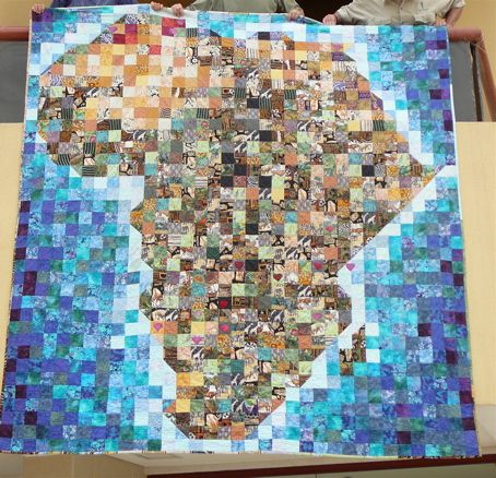 I Left My Heart in Africa map quilt, from World Stitches blog (worldquilter.wordpress.com).