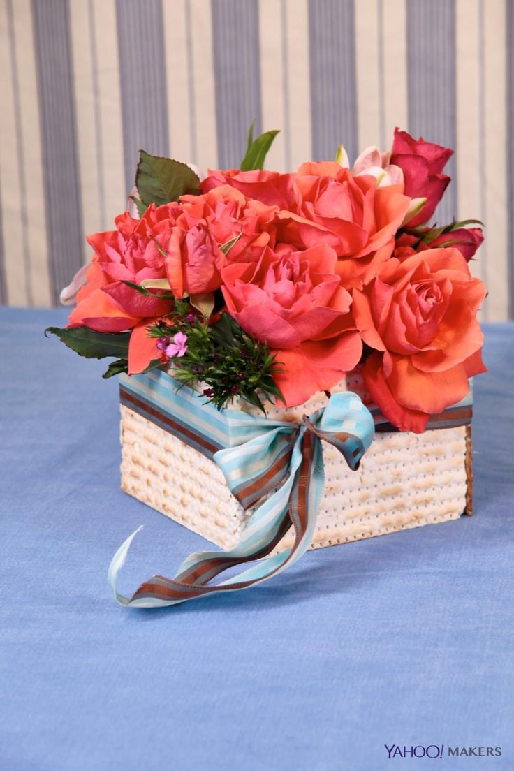 Diy This Mazto Flower Vase For Passover Beautiful Floral And Vase