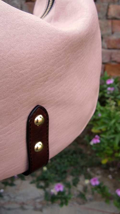 Blossom Caro, Chiaroscuro, India, Pure Leather, Handbag, Bag, Workshop Made, Leather, Bags, Handmade, Artisanal, Leather Work, Leather Workshop, Fashion, Women's Fashion, Women's Accessories, Accessories, Handcrafted, Made In India, Chiaroscuro Bags - 3