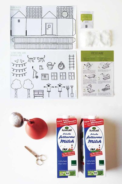 Ein DIY-Kit für alle, die Spaß am Gärtnern, kreativen Basteln und Upcycling haben!   Mit den selbstklebenden Schnittbögen kannst Du ratzfatz Deine MiniLaube mit Kresse-Garten für Dein Zuhause...
