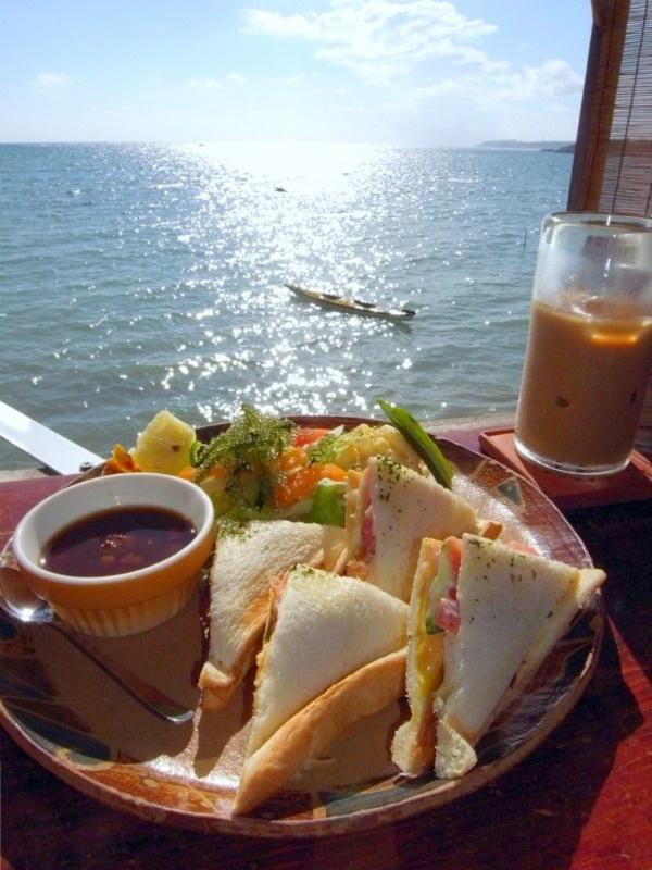 "浜辺の茶屋 (Hamabe no Cyaya ""Cafe on Beach"" - Mi-baru Beach, Okinawa Japan)"