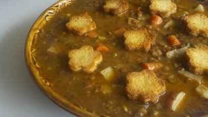 lentil soup with croutons | Vegetarian/Vegan Recipes | Pinterest