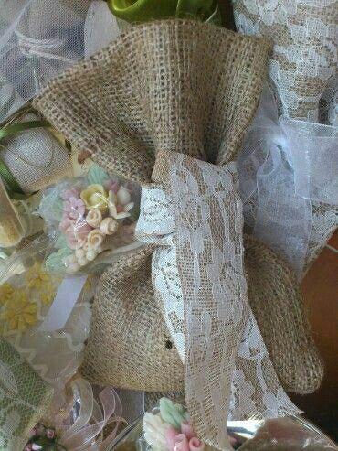 Πουγκι λινατσας με κορδελα λινατσα-δαντελα/pink cloud wedding gowns