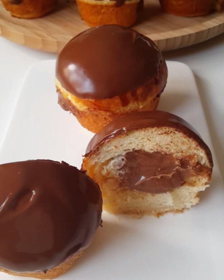 """26.9k Likes, 663 Comments - Merve Ünal (@pacikanin_mutfagi) on Instagram: """"Hayırlı geceler  Ama bu çok güzel oldu ya  Yumuşacık bir hamur düşünün içinden çikolatalı krema…"""""""