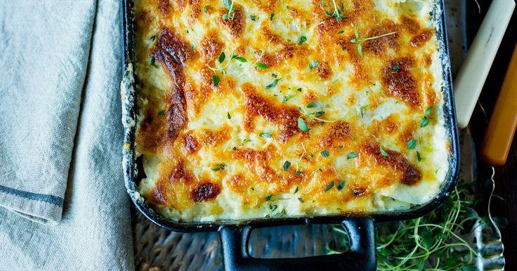 Varmende høstmat hvor du kan bruke alle de gode, norske rotgrønnsakene. Et godt alternativ til potetgratengen og passer til det aller meste, men kanskje aller best til lam.