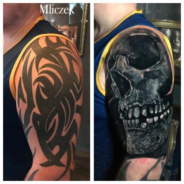 Skull Cover Up Tattoo By Seb Limited Availability At Revival Tattoo Studio Cobertura De Tatuagem Tatuagens Orientais Masculinas Tatuagem Blackout