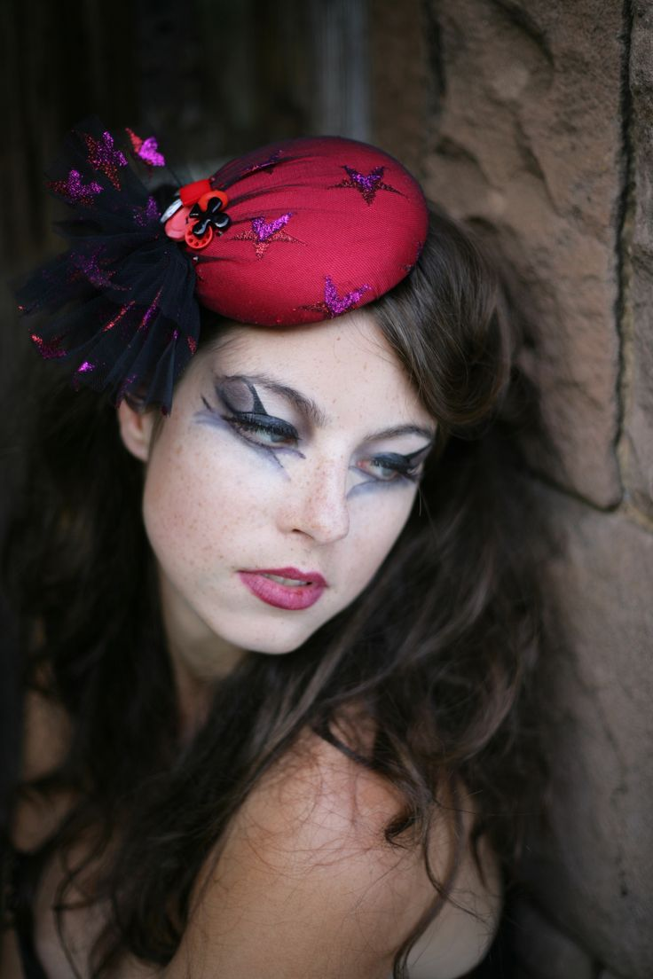 Red Stars Beret, Burlesque, pin up. http://www.theheadmistressboutique.com/ https://www.etsy.com/uk/shop/headmistressboutique?ref=si_shop
