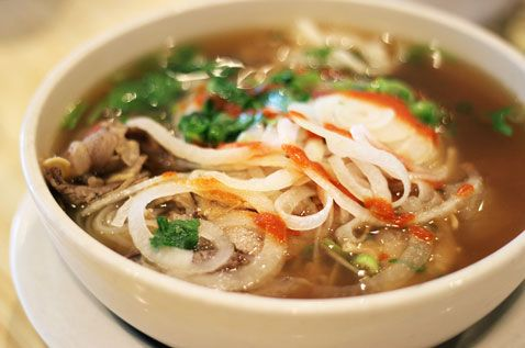 Pho with eye round, brisket, tripe, flank, and tendon at Le's Vietnamese in Harvard Square. (Photo:  Bing via Flickr)
