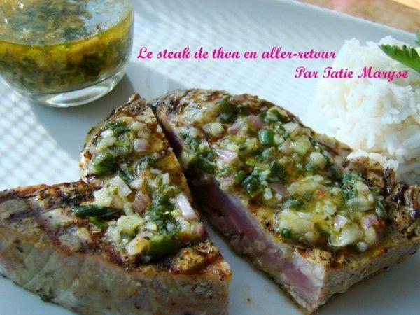 Le steak de thon s'apprécie à sa juste valeur lorsque sa cuisson et son assaisonnement sont parfaitement maîtrisés, comme expliqué ici par Tatie Maryse !