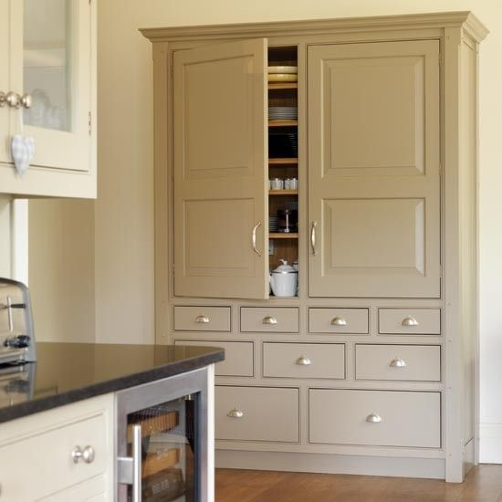 Timeless Kitchen With Old White Farrow And Ball On The: 14 Best Images About Mouse's Back, 40, Paint, Farrow And