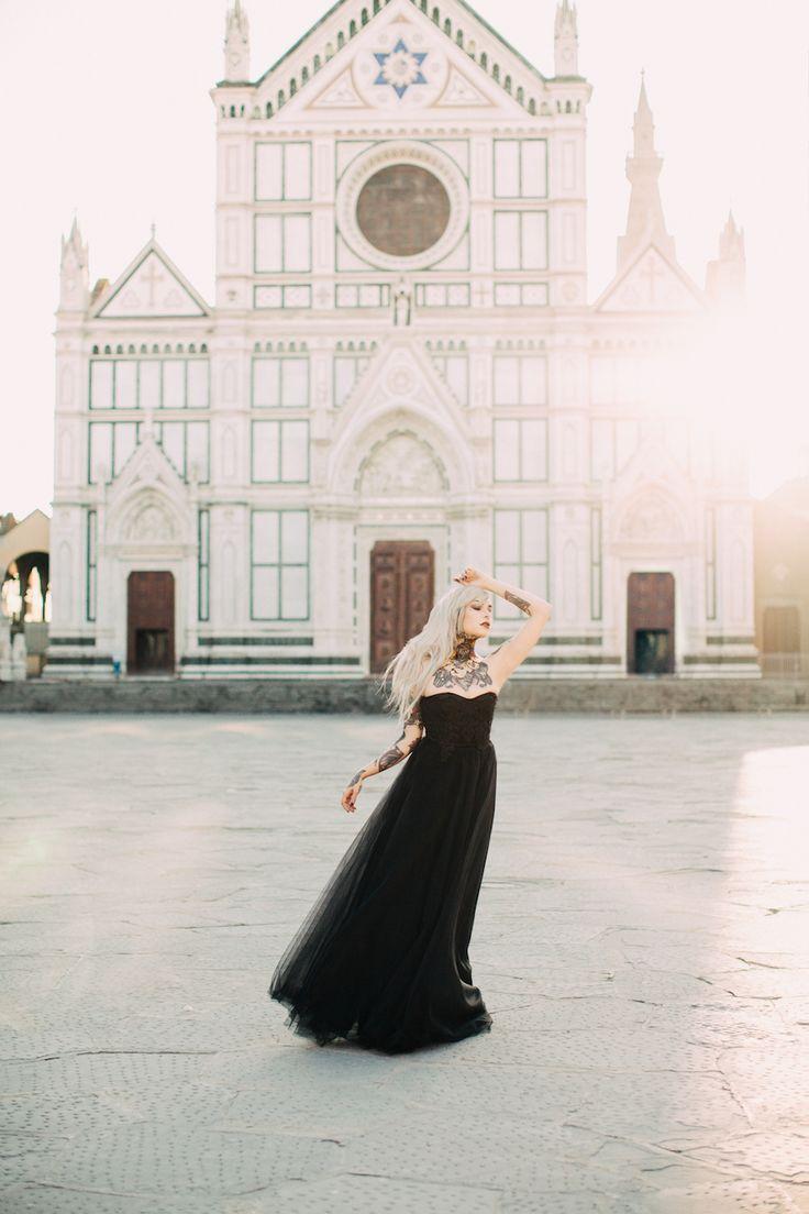 Ispirazione gotica con un abito da sposa nero