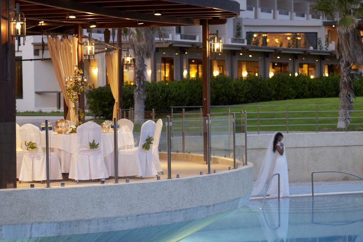 The Esperos Weddings has a range of facilities and services to organize the wedding of your dreams.