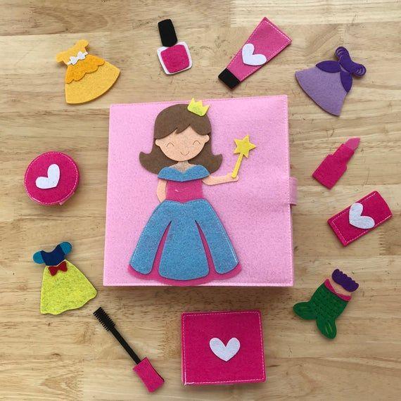Livre calme de princesse ; maison de poupée, livres