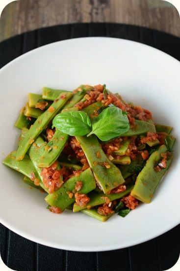 Frl. Moonstruck kocht!: Stangenbohnen mit Tomatensugo