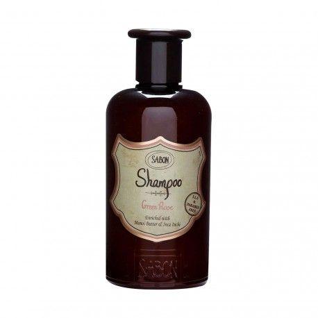 Le shampoing Green Rose est l'élément incontournable de votre salle de bain pour rendre vos cheveux souples et brillants. Ce shampoing sans parabène et sans SLS nettoie vos cheveux tout en douceur. Riche en huile d'Inca Inchi et en beurre de Monoï, il apporte les Omega 3, 6 et 9 et la vitamine E nécessaires à vos cheveux pour qu'ils soient éclatants.