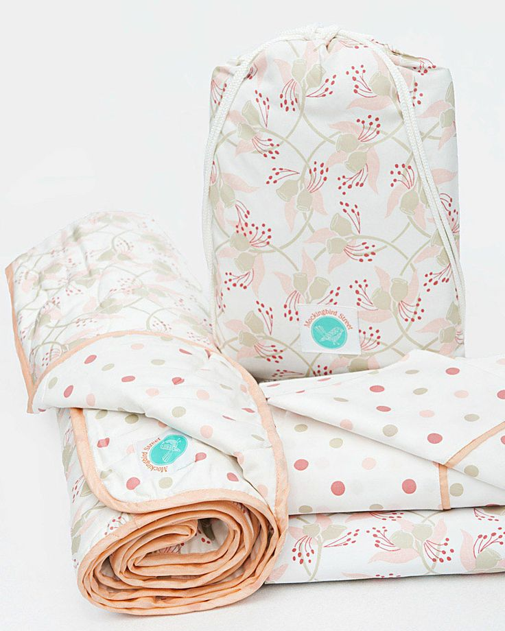 Gumnut cot sheet set and matching quilt ... lovely pink and grey! Fits boori and standard cot...