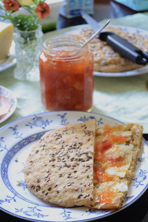 In Swedish - Tomatmarmelad med ingefära (Tomato marmelade with dash of ginger, SO GOOD!)