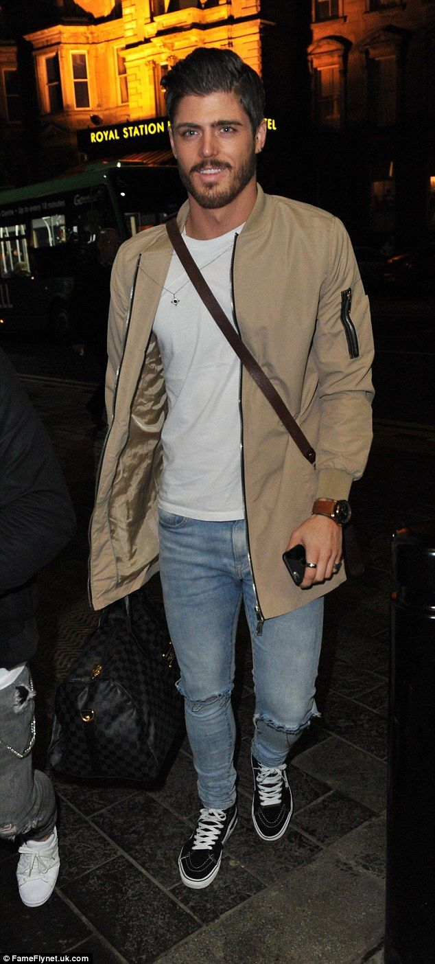 Sam Reece cuts a relaxed figure as he arrives to host a party in Newcastle... as Jeremy McConnell reiterates his love for Stephanie Davis on Twitter | Daily Mail Online