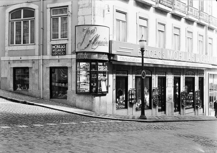 "Rua Garrett, casa ""José Alexandre"", anos 30"