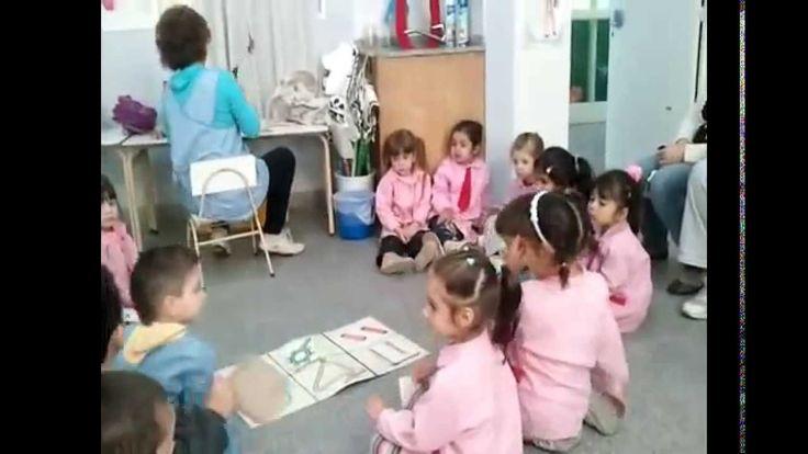 una clase musica para niños de 3 años