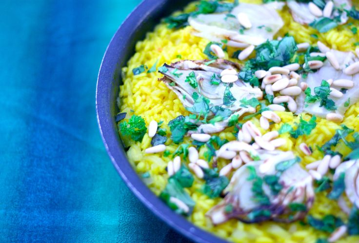 Fennel Risotto by Kaisa. http://umlimaomeiolimao.wordpress.com/2015/01/03/risotto-milanese-with-grilled-fennel-and-herbs/