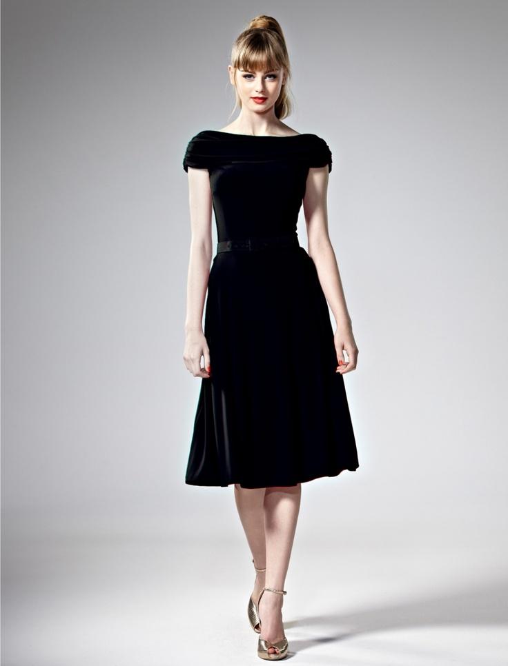 i <3 60's hair & makeup & this dress.   :)  Leona Edmiston