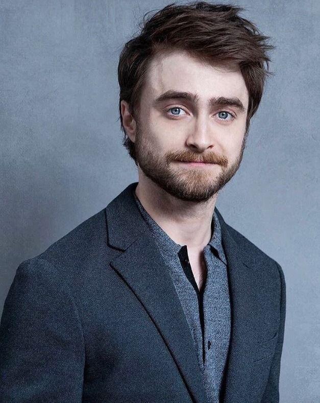 Daniel Radcliffe Tumblr Photoshoot Of Daniel Radcliffe At Turnerupfront Back In Daniel Radcliffe Photoshoot Daniel Radcliffe Harry Potter Daniel Radcliffe