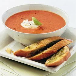 Tomaten-paprikasoep @ allrecipes.nl  Yammmmm, denk ik!  Lees hier hoe je dit maakt: http://allrecipes.nl/recept/3899/tomaten-paprikasoep.aspx