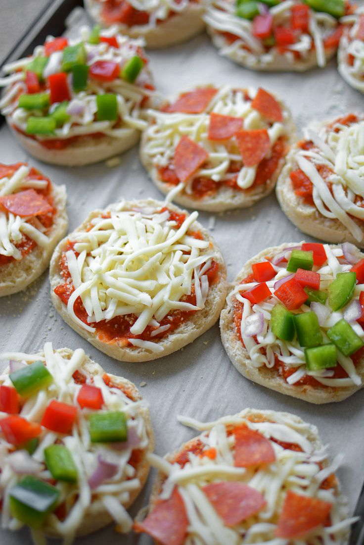 Freezer English Muffin Mini Pizzas - Their minuscule size and top-quality ingredients make these prep-ahead convenience foods the perfect combination of fun and healthy!