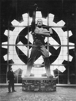 """NSDAP Ausstellungen - Monumentalskulptur i. Haus d. Dt. Arbeitsfront (DAF) Austellung """"Deutsches Volk,Deutsche Arbeit"""" Berlin 1934"""