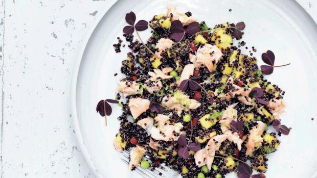 laksesalat m quinoa