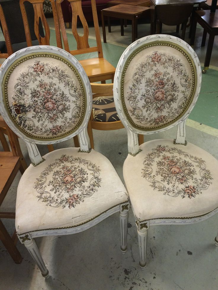My absolutely most lovely chairs... Shabby? YES! Chic? YEESSSS!!!!!!