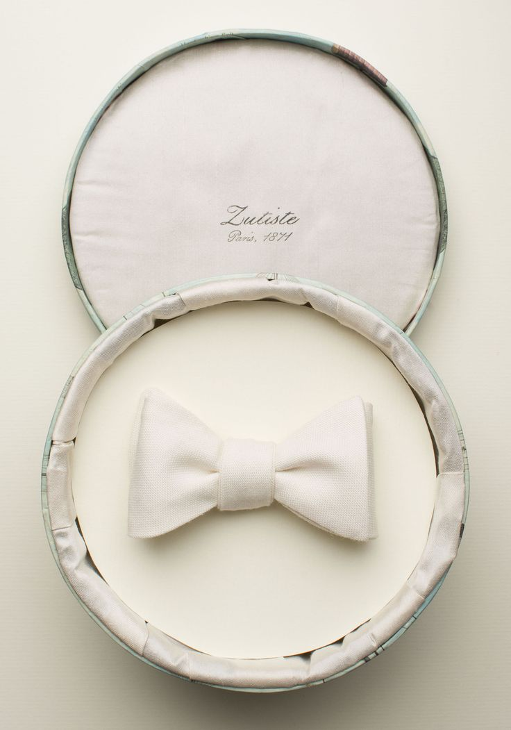 Zutiste 'Soir d'été' nœud papillon (French for 'bow tie'), made in Paris from pure English wool.