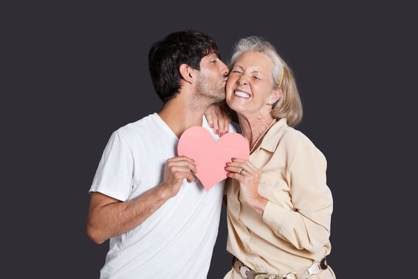 male mature women dating site Interested in dating handsome black men or beautiful asian women you've come to the right place hundreds of friendships and love connections are happening every day whether you're looking for friendship or a serious relationship, our sophisticated matching system helps you find exactly what you're looking for.