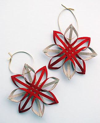 Red and Linen Finnish Stars—might have to make some of these for the Christmas Tree this year