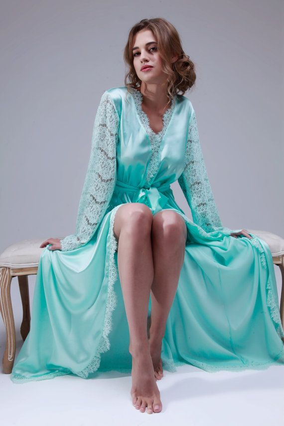 8d3a4ad04 Pin by Aldeema al on قمصان نوم | Bridal nightgown, Bridal lingerie, Bridal  robes