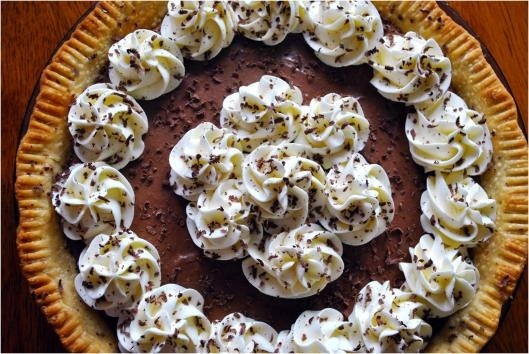 French Silk Pie (Perkin's Copycat Recipe)   Rolling Sin...Sweets After Dark. If his is really as good and easy as it says....