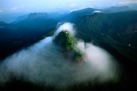 Muntele lui Adam, SRI LANKA (2243 m)