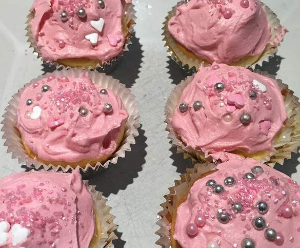 Recipe Vanilla Cupcakes by MissK8 - Recipe of category Baking - sweet