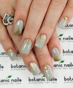 Gold-metal-with-gray-nail-art