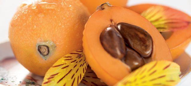 Disfruta de una de las mermeladas mas elegantes de la temporada (además muy económica) Do you know the loquat jam? It is one of the fruits most healthy and nutritious, many properties beneficial and very economic. See how it's done in  ... http://valenciagastronomic.blogspot.com.es/2013/05/mermelada-casera-de-nisperos-de-callosa.html