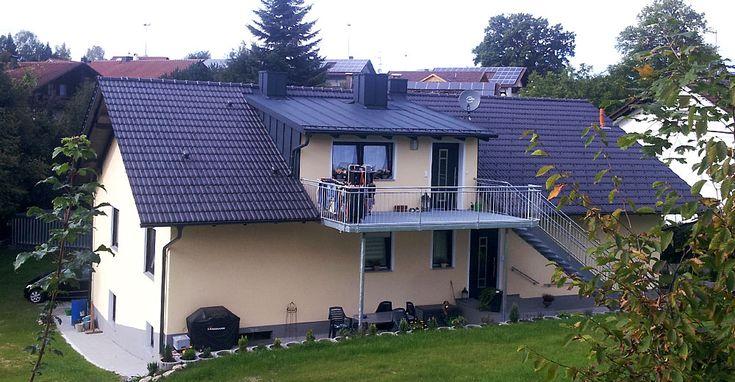 Haus mit Metalldach von der Firma Dach Reiter
